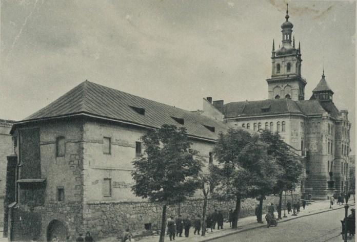 Міський арсенал - одна із найстаріших будівель вулиці Підвальної. Фото кін. 19 ст.
