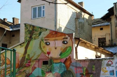 Мурал на дитячому майданчику, вулиця Богдана Хмельницького, № 66–72