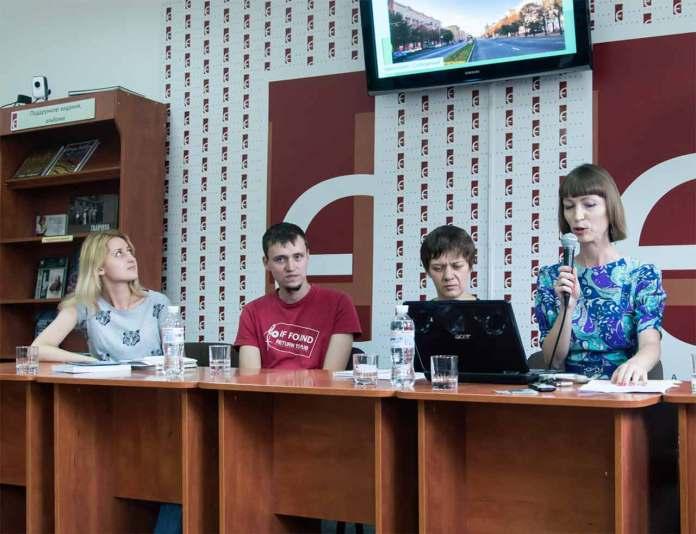 Учасники зустрічі «Літературний схід».Фото: Ксенія Янко