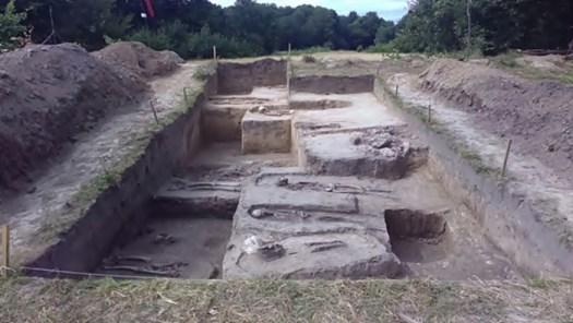 Християнські поховання XII – XIII ст. Фото: Софія Змерзла