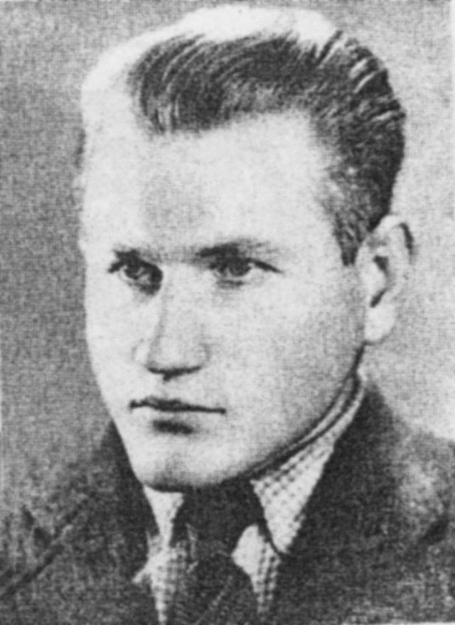 Студент графічного відділу Мистецько-промислової Школи Микола Батіг, 1944 рік