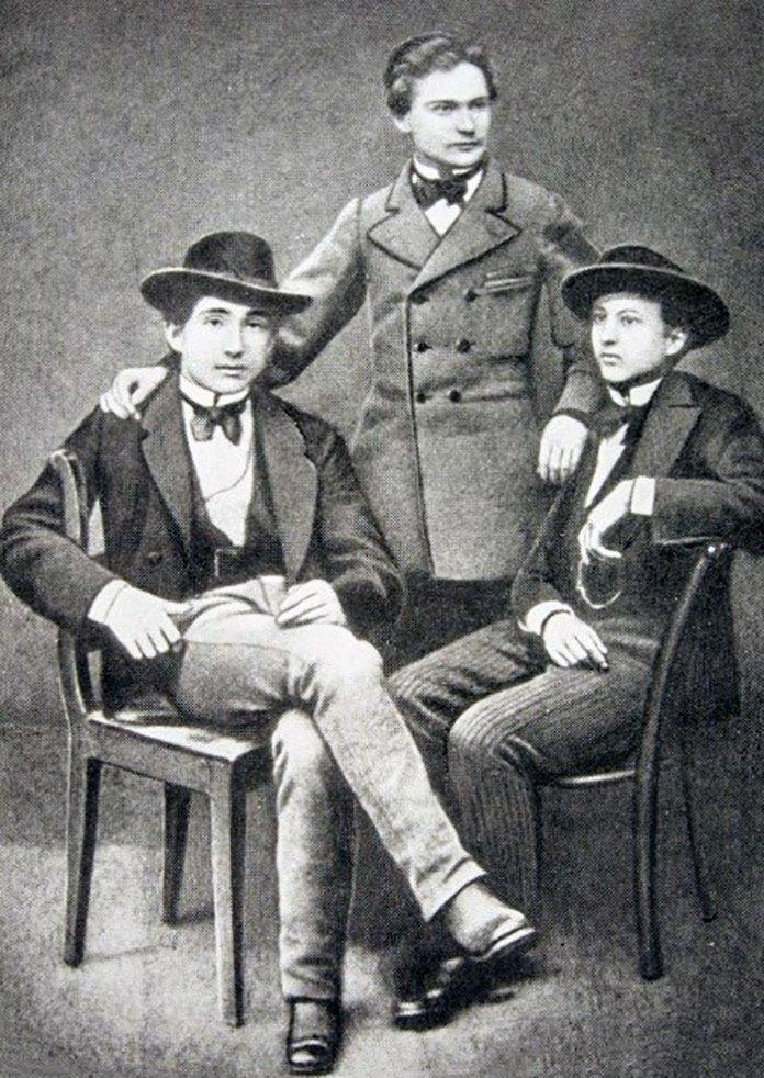 Іполит Погорецький (ліворуч), Іван Франко (поцентрі), Ярослав Рошкевич (праворуч)