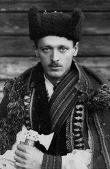Микола Сеньковський. Гуцул, Косів, 1925–1930-ті рр. (зі сайту http://proidysvit.livejournal.com/61415.html)