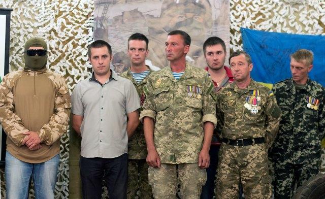 """Кіборги на презентації першої книги коміксів про захисників Донецького аеропорту - """"Кіборги: історія трьох"""""""