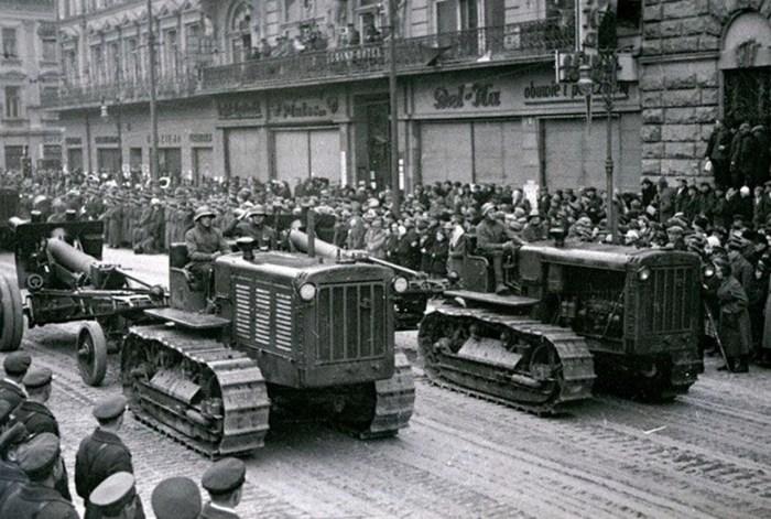 Військова техніка на вулицях Львова. 1939 р.