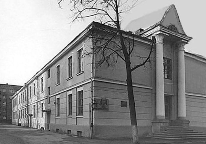 Івано-Франківське музичне училище ім. Дениса Січинського