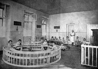 Покій для забав у дитячому садку в Празі, 1920-ті рр. (Нова Хата. – 1927. – Ч. 3)