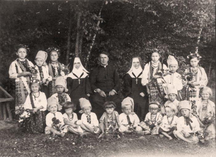 Отець Комар - дитячий садок - захоронка