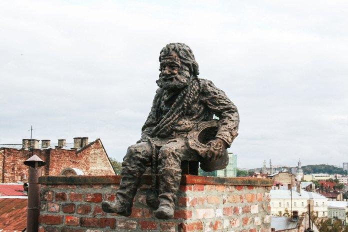 Пам'ятник Сажотрусу (вул. Староєврейська, 48). Фото: Анастасія Нерознак