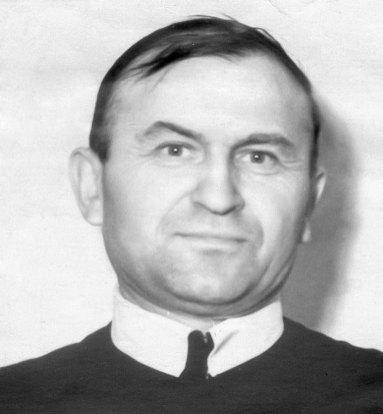 Отець Петро Козак
