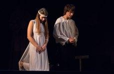 Сцена з вистави «Ромео і Джульєтта» Першого українського театру для дітей та юнацтва