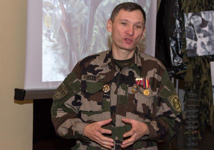 Віце-президент Асоціації «Україна – Франція», рядовий боєць Національної поліції України ГУНП у м. Києві Павло Ротар