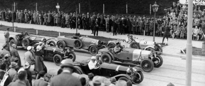 Гонщики під час старту Leopolis Grand Prix. Фото 1930-1934 рр.