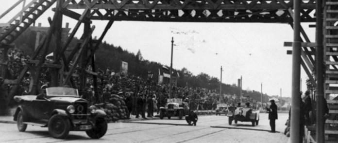 Глядацька трибуна під час Leopolis Grand Prix Фото 1930-1934 рр.