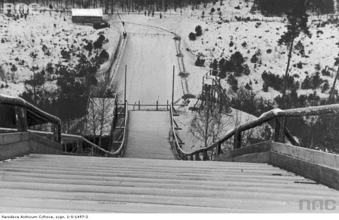 Трамплін в Брюховичах. Фото 1930-х рр.