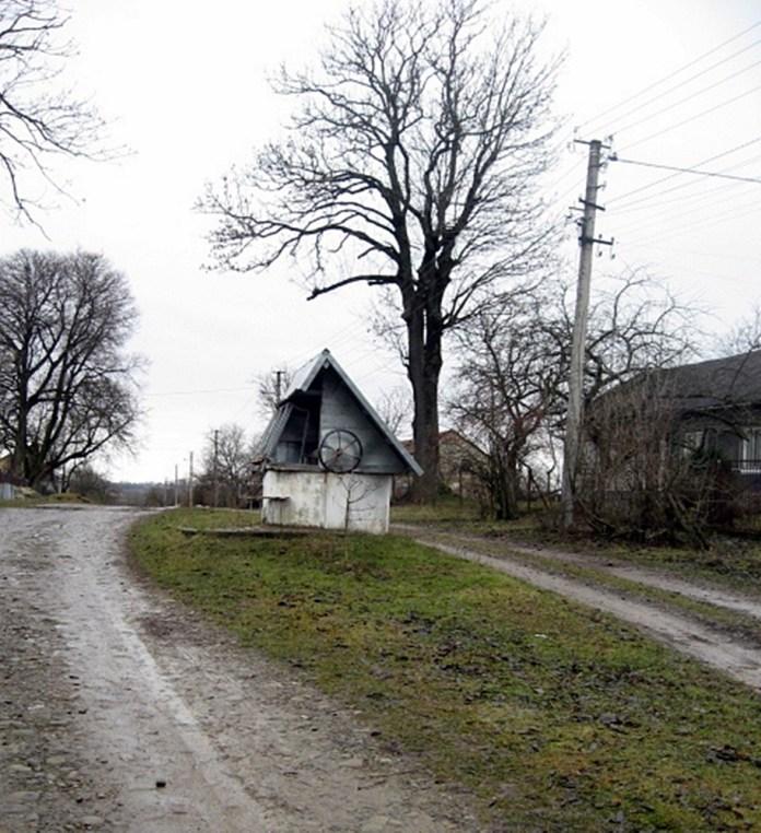 Громадська криниця у німецькій колонії Розенберг (Щирець)