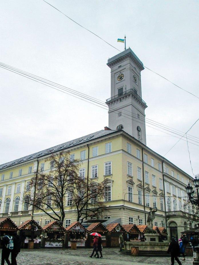 Вид на площу Ринок з північно-західної сторони. Фото Мар'яни Іванишин.