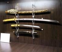 Вишукано оформлена самурайська зброя та обладунки