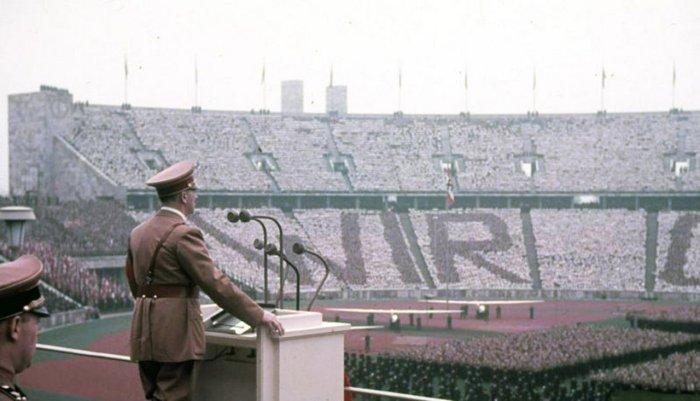 Фрагмент з проведення Олімпіади 1936 року. Фото з http://www.metamorfosialiene.com