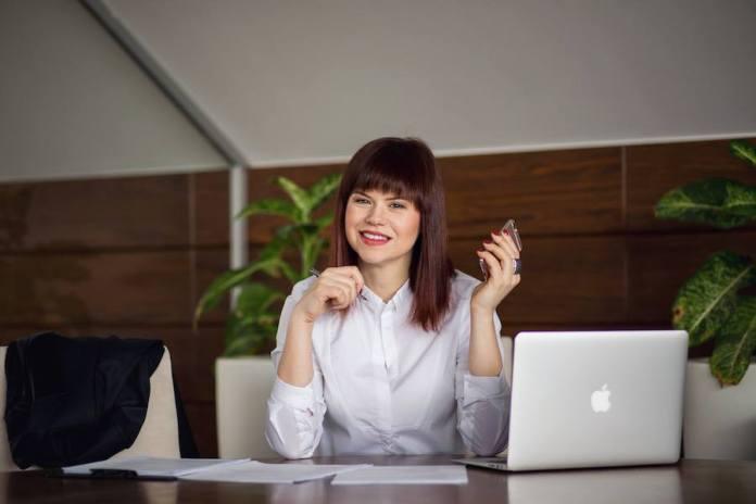 Людмила Калабуха - перший україномовний бізнес-консультант в інтернеті.