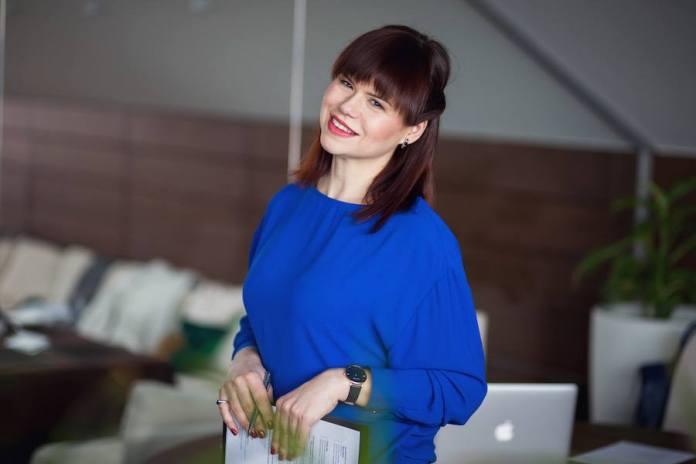 Людмила Калабуха - довсід роботи в продажах 23 роки.