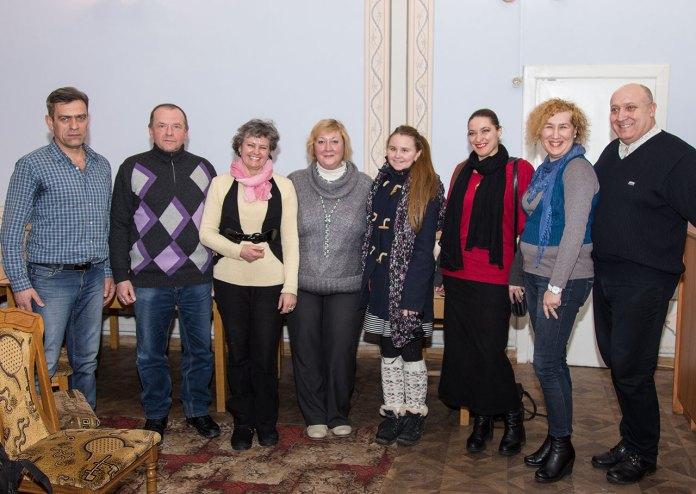 Учасники та гості зустрічі-знайомстві з письменницею та журналісткою Людмилою Пуляєвою-Чижович
