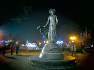 Пам'ятник Соломії Крушельницькій у Тернополі (фото Сергія Гуменного)
