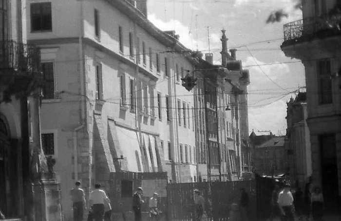 Вулиця Сербська у Львові 19 серпня 1997 року. Фото М.І.Жарких. Негатека, № 928-28.