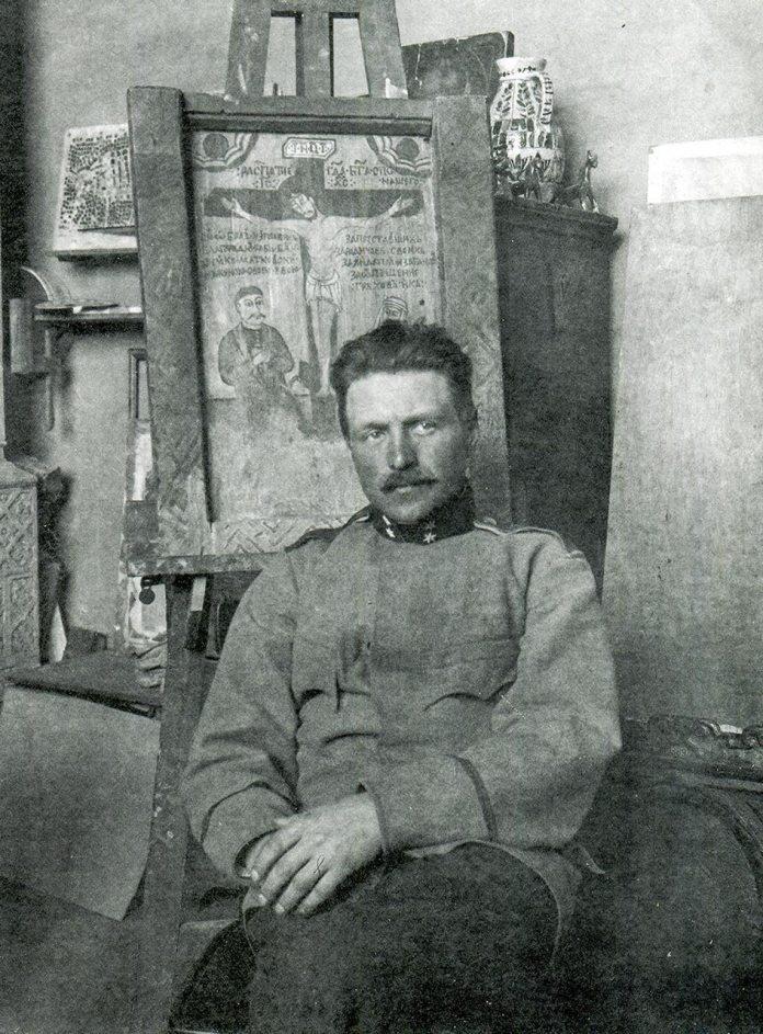 Михайло Бойчук в реставраційній майстерні у Львові