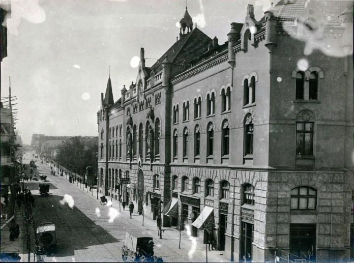 Народний кінотеатр Червоного Хреста на вул. Городоцькій №36, 1915 р.