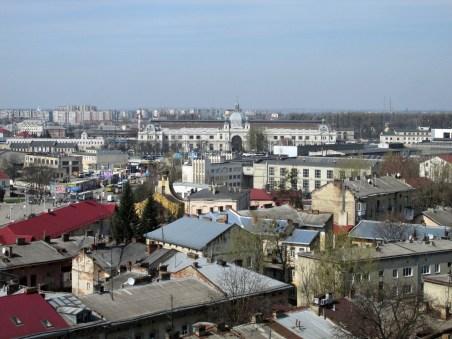 Львівський залізничний вокзал із висоти пташиного лету. Фото Сергія Гуменного.
