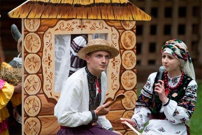 Фестиваль дитячих та юнацьких колективів «Казка у гаю»