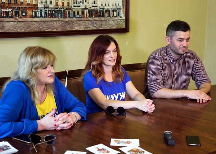 Діана Гайворонюк, Ліля Ваврін та Іван Бондар на прес-конференції