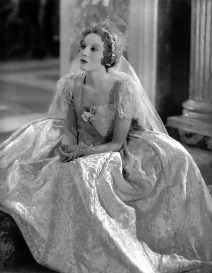 Елізабет Бергнер у роді Катерини Великої, 1934 р.