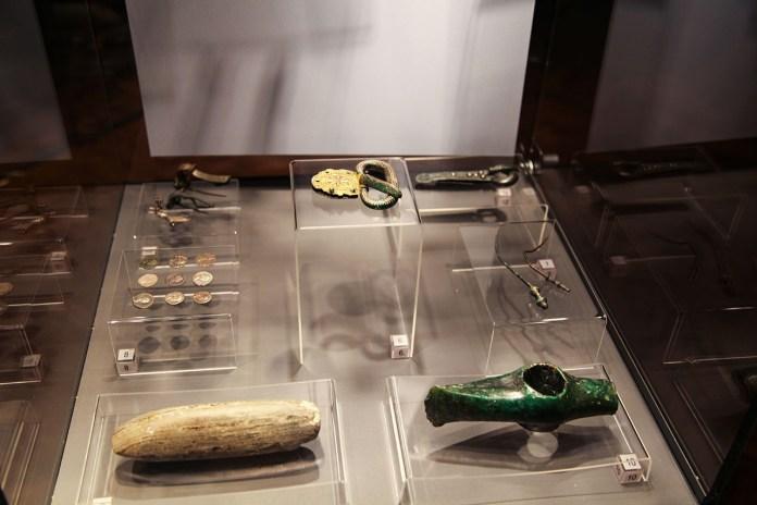 """Експозиція виставки """"Археологія автострад"""""""