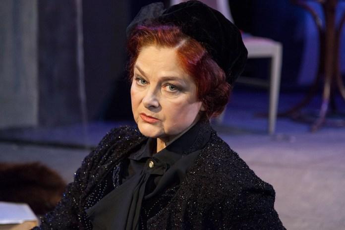 """Наталія Лань у виставі """"Тринадцята жінка"""""""