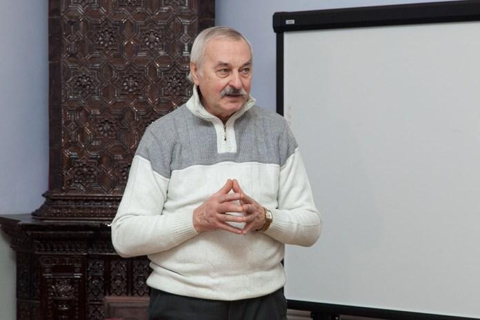 Євген Федорченко на зустрічі з читачами в рамках проекту «Театр в бібліотеці»