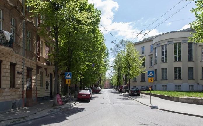 Вулиця Миколи Устияновича у Львові. Фото 2018 року