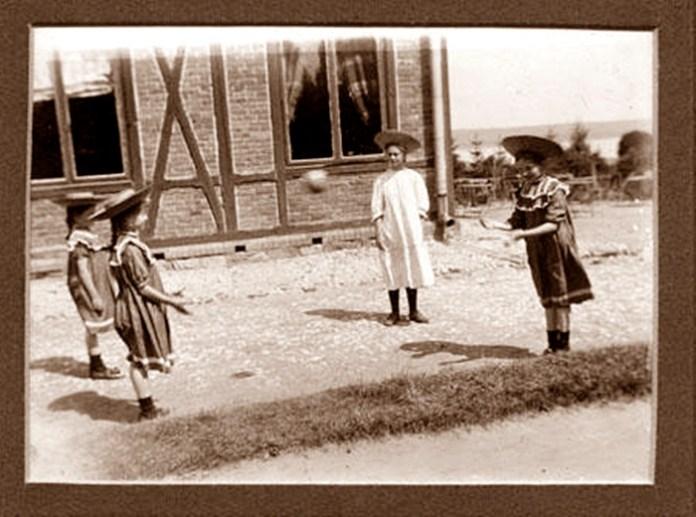 Дівчатка. Янів (Івано-Франкове), поч. ХХ ст.