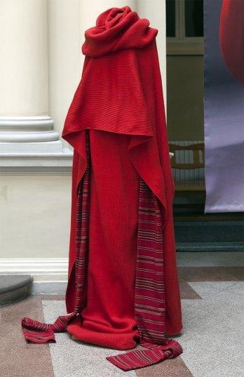 """Експозиція виставки """"Панни Мадонни Гуцулки"""" польської художниці Дороти Сак."""