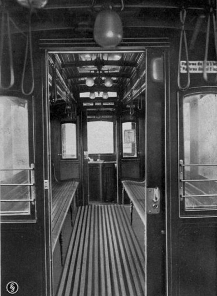 """Салон трамвайного вагона """"Graz"""". Початок 1910-х років."""