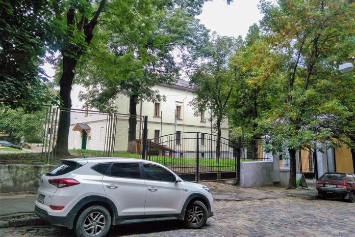 Приміщення ''Львівської Політехніки'' по вулиці Колесси. Фото Мар'яни Іванишин.