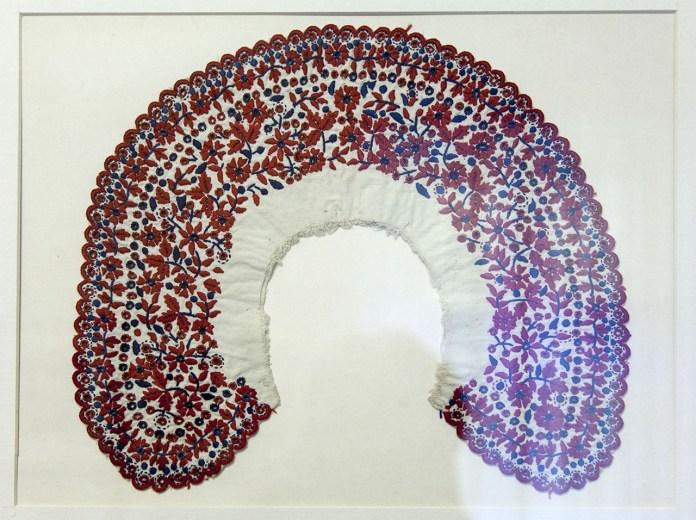 Експозиція виставки «Українська народна вишивка із колекції Олени та Ольги Кульчицьких»