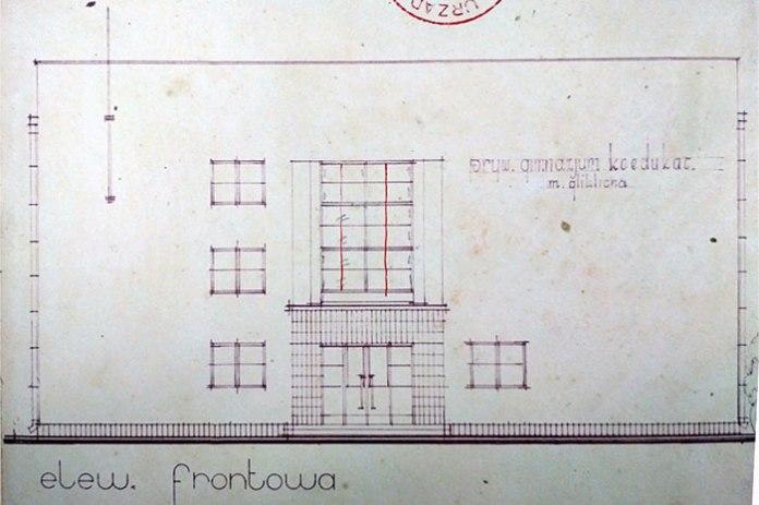 Фасад гімназії М. Глікліха в Луцьку авторства Францішка Кокеша