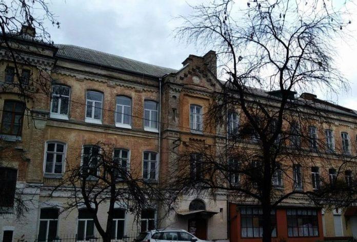 У колишній казармі 127 Путивльського полку — нині житло не тільки для військових
