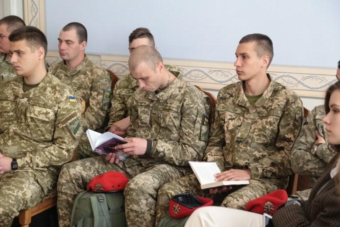 Перший всеукраїнський форум військових письменників у Львові. Фото Володимира Скоростецького