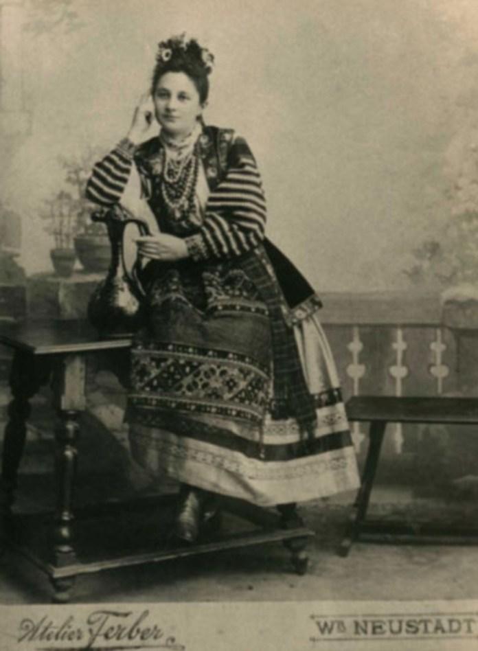 Дружина Ярослава Окуневського, Отілія
