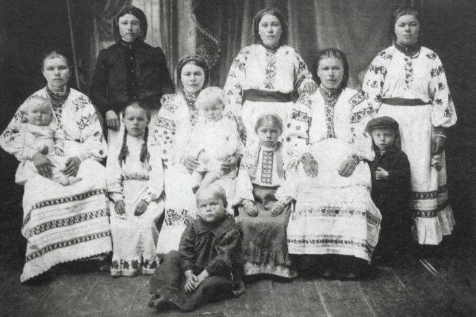 Поліські жінки з дітьми, 1910-і роки