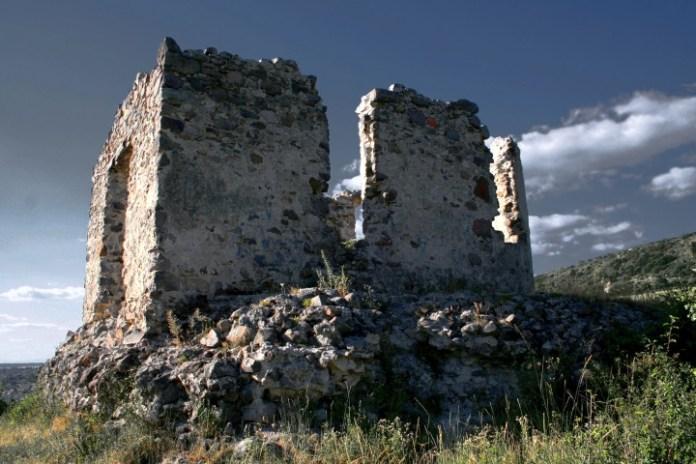 Замок в Середньому на Закарпатті