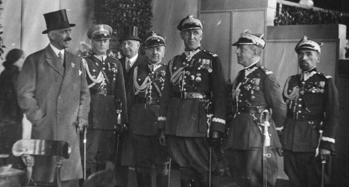 Януш Радзівілл серед польських офіцерів